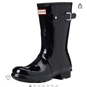 Hunter Women's original short gloss rain boots.
